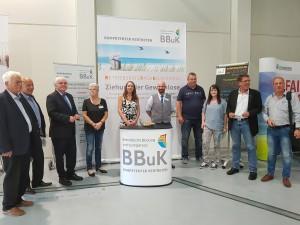 Das BBuK-Team gratuliert den anwesenden Gewinnern der Zusatzgewinne